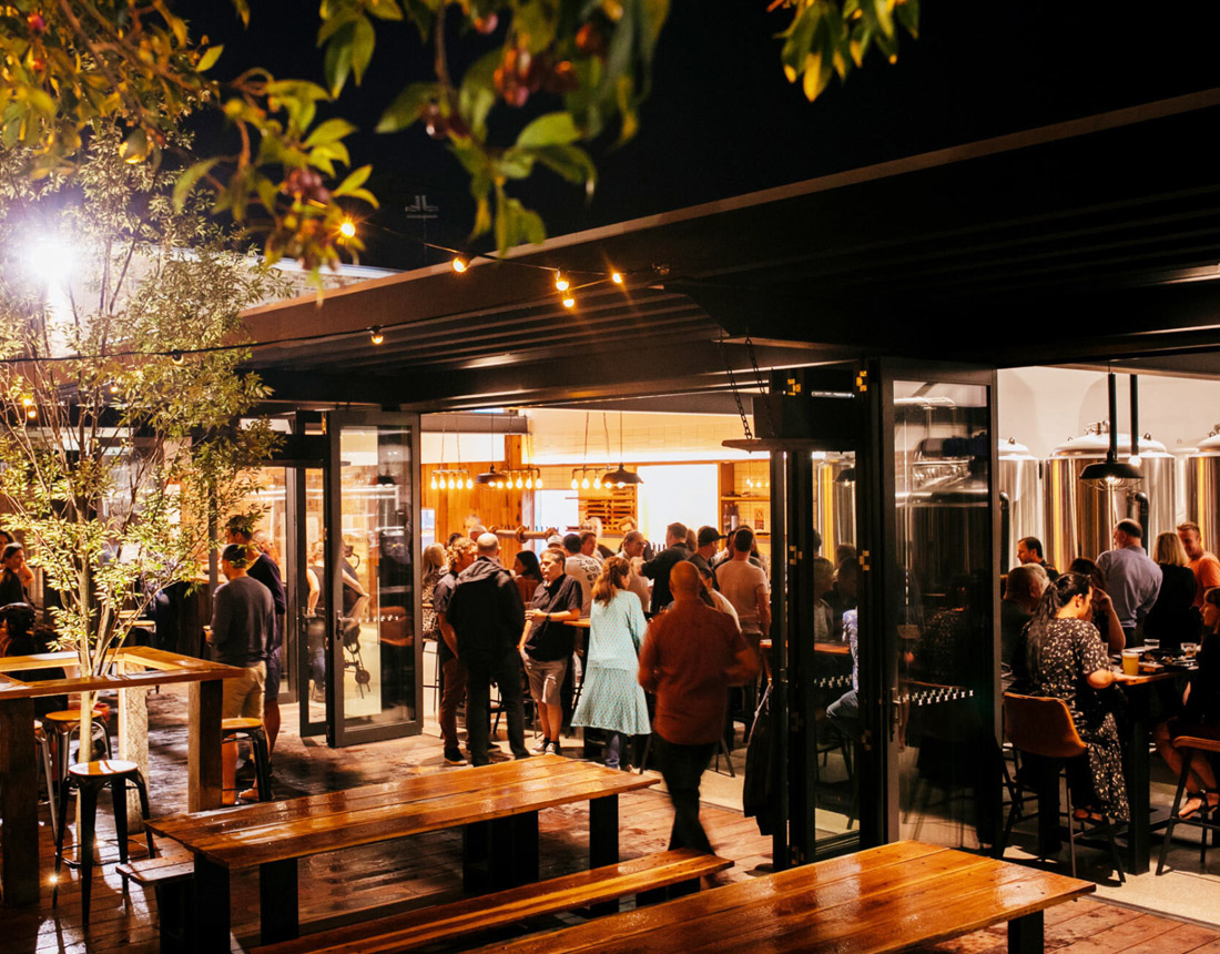 Courtyard, Resin Brewery and Brew Pub, Bulli